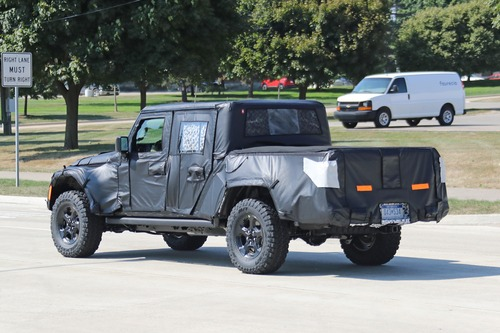 Jeep Scrambler, le foto spia  (4)