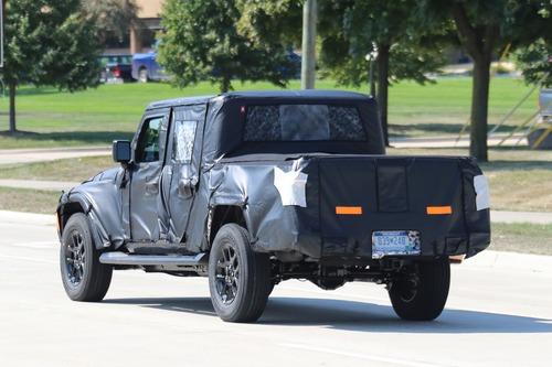Jeep Scrambler, le foto spia  (7)
