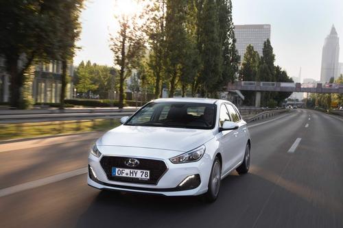 Hyundai i30, aggiornamenti estetici e nuovo motore diesel (8)