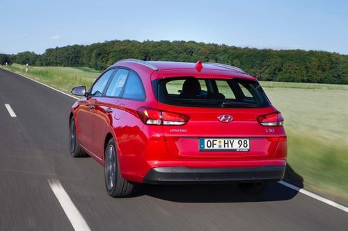 Hyundai i30, aggiornamenti estetici e nuovo motore diesel (5)