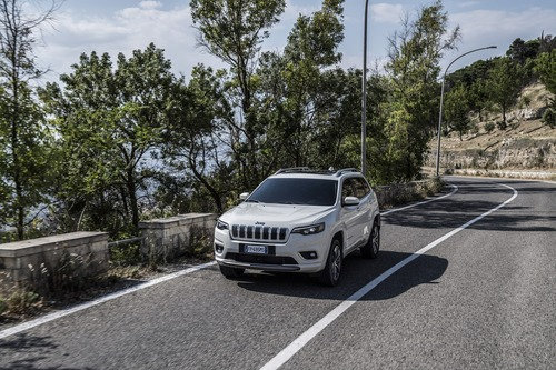 Jeep Cherokee 2019, ecco come è cambiata [Video e foto] (9)