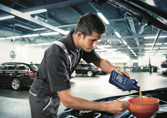 Olio motore: BMW raccomanda Shell