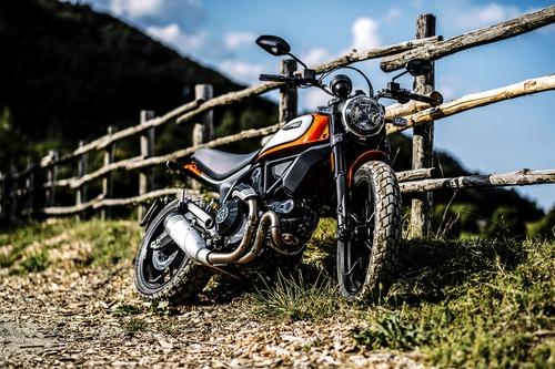 Ducati Scrambler Icon 2019. Foto, video e dati