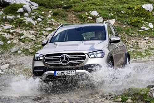 Nuovo Mercedes-Benz GLE 2019: eccolo pronto a scendere in strada, anche ibrido (6)