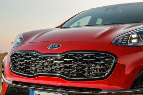 Nuovo Kia Sportage 2019, la prova del C-SUV simbolo della Casa [primo test] (2)
