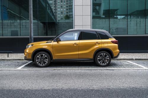 Suzuki, ecco la nuova Vitara Boosterjet 2018  (3)