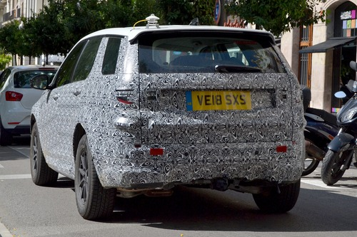 Land Rover Discovery Sport restyling, le foto spia (8)