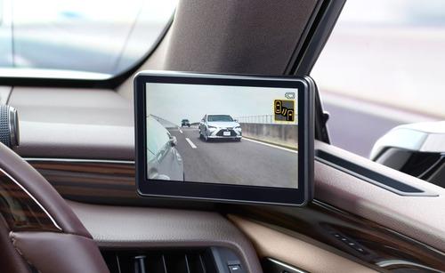 Lexus ES, addio specchietti. Arrivano i retrovisori digitali (6)