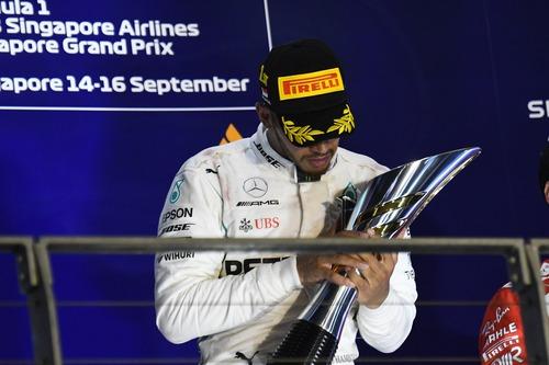 F1, GP Singapore 2018: vince Hamilton. Terzo Vettel (2)