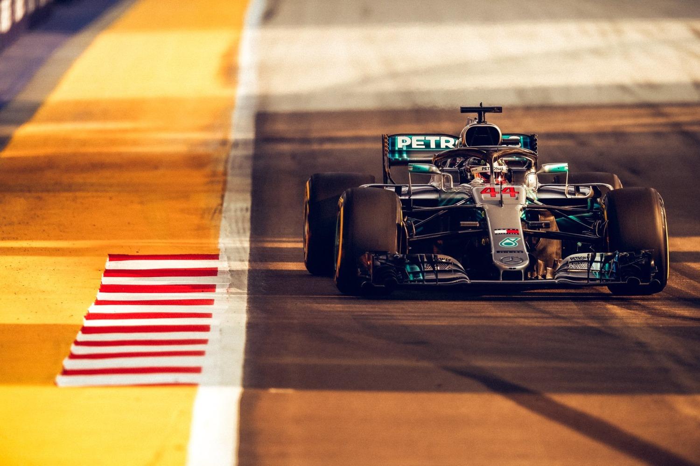 F1, GP Singapore 2018: vince Hamilton. Terzo Vettel