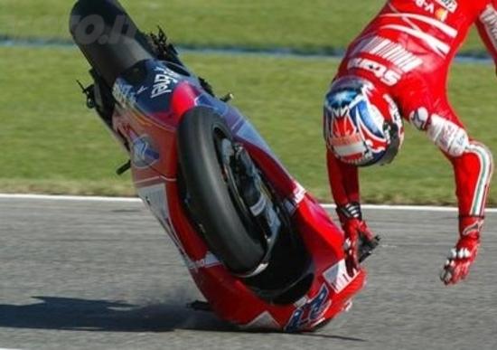 Nelle prove al Mugello Rossi è il più veloce ma Lorenzo è il più costante