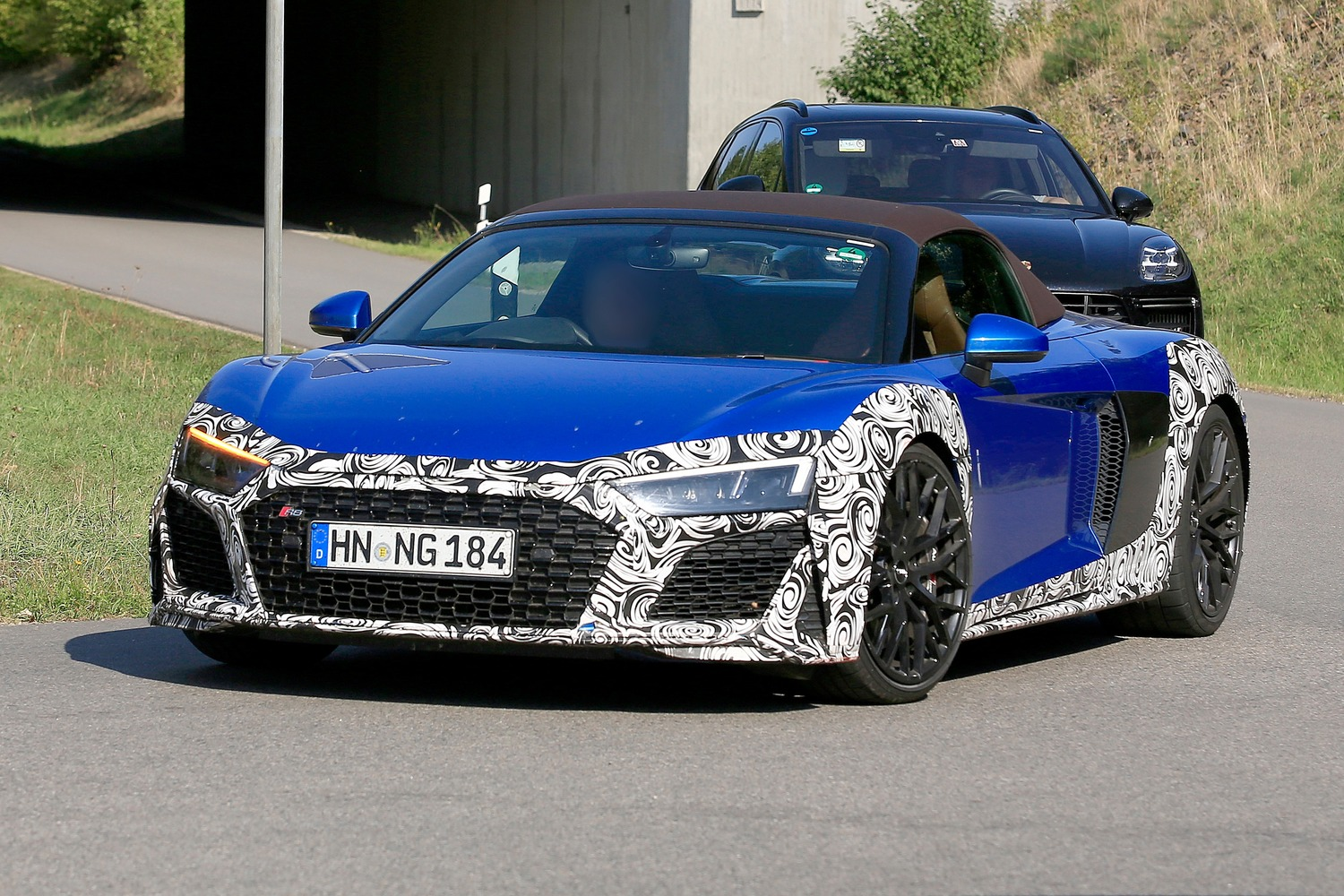 Audi R8 Spyder restyling, le foto spia