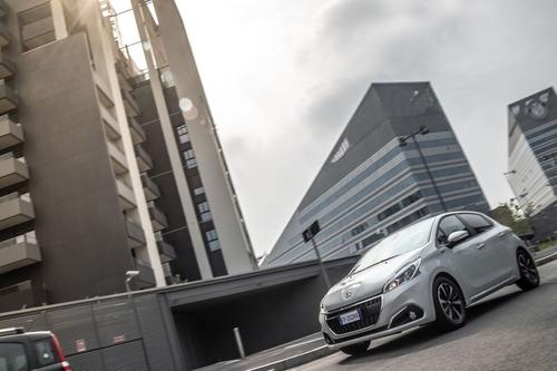 Peugeot 208 Signature, 1.200 esemplari per l'Italia (9)