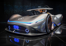 Mercedes Vision EQ Silver Arrow al Salone di Parigi 2018 [Video]