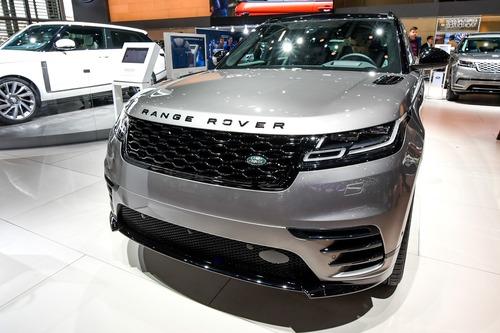 Land Rover al Salone di Parigi 2018 (6)