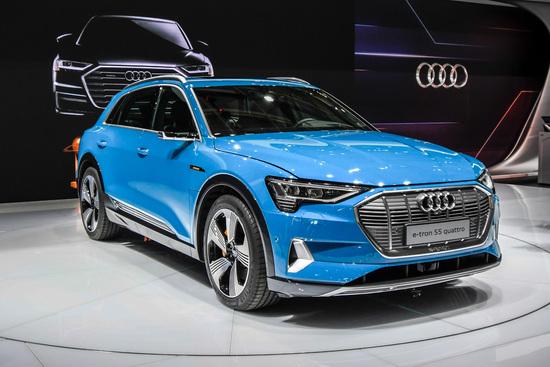 La Audi e-tron al Salone di Parigi 2018