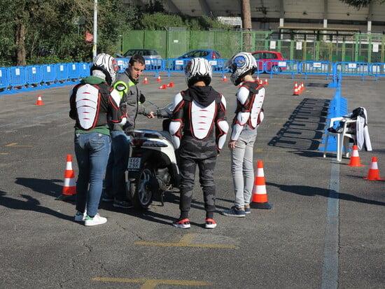 L'Ania Campus si rivolge soprattutto ai più giovani ed insegna a condurre in sicurezza a condurre in sicurezza scooter e ciclomotori