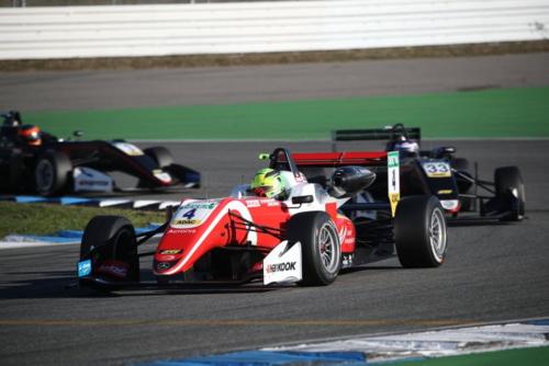F3 FIA, Mick Schumacher campione europeo: due anni prima di papà Michael (4)