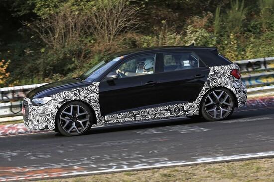 Audi A1 Allroad foto spia