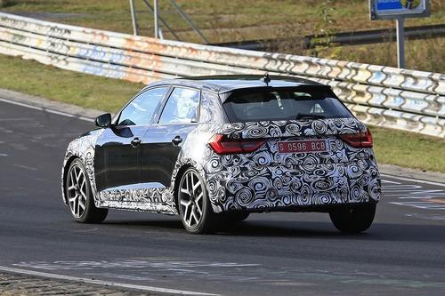 Audi A1 Allroad, avvistata al Nürburgring [Foto spia] (8)