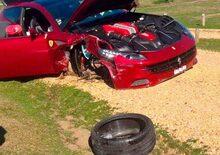 Incidenti stradali, Supercar: Ferrari FF vs Peugeot 206 e la rossa perde una ruota [foto gallery]
