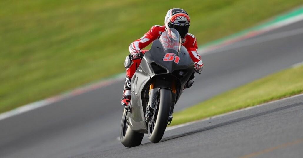 La Ducati Panigale V4R debutta a Brands Hatch