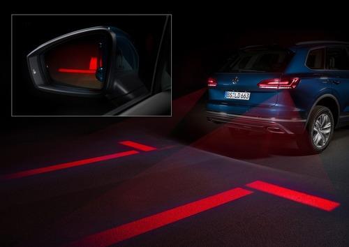 Volkswagen, Illuminazione: il futuro di gruppi ottici e segnalazioni visive dell'auto è già qui (9)