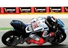 Jorge Lorenzo in pista a Motorland in sella alla Yamaha R1