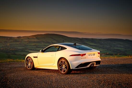 La nuova Jaguar F-Type Chequered Flag Edition