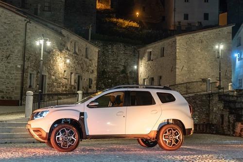 Nuovo Dacia Duster 2018 GPL: il N°1 dei SUV è gasato, ma con i piedi per terra [video] (8)