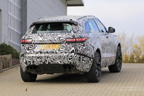 Range Rover Velar, riapparsa la versione SVR con il V8 da 550 CV (2)