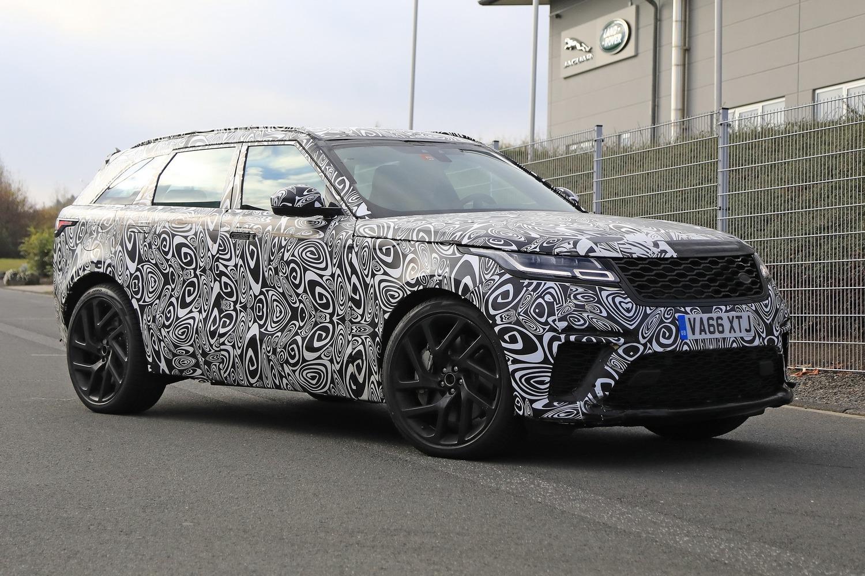 Range Rover Velar, riapparsa la versione SVR con il V8 da 550 CV