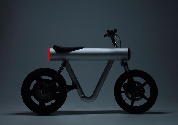 Sol Motors Pocket Rocket, lo scooter elettrico del futuro