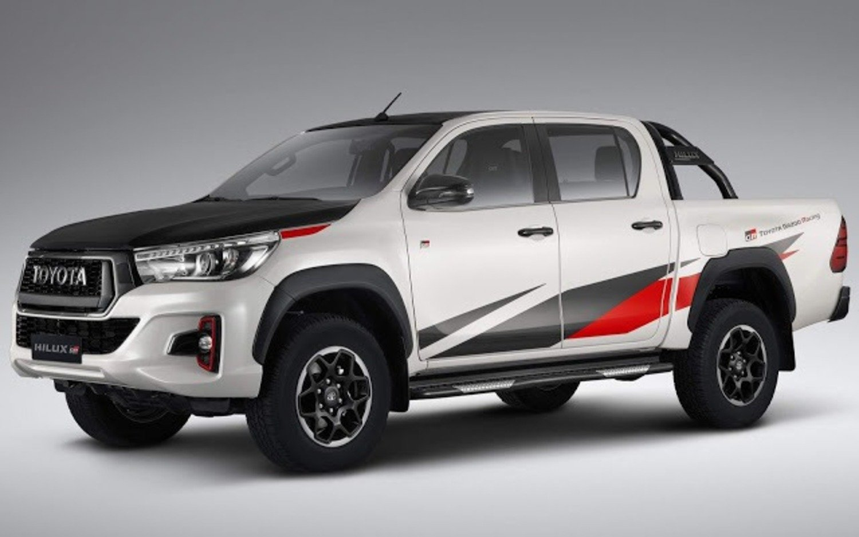 Toyota Hilux GR Sport, la prima off-road firmata Gazoo Racing