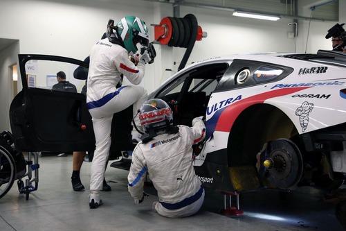 Alex Zanardi verso la 24h di Daytona 2019: completati i test sulla BMW M8 GTE (6)