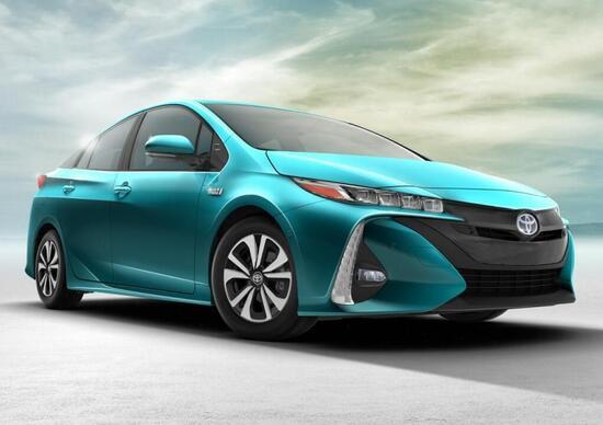 Nuova Toyota Prius Plug-in Hybrid, consuma 1,4 l/100 km
