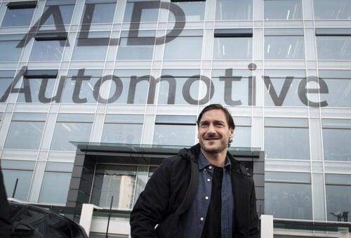 Lamborghini Urus, la nuova auto di Francesco Totti (3)