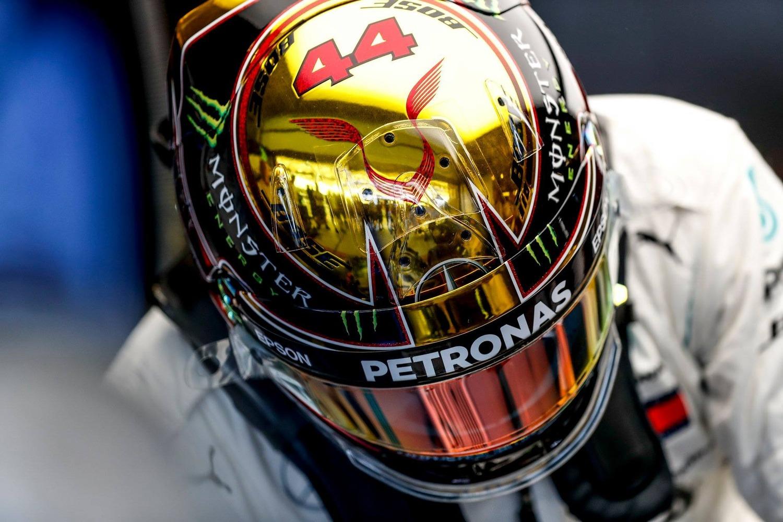 F1, GP Abu Dhabi 2018, Hamilton: «Un onore gareggiare con Vettel»