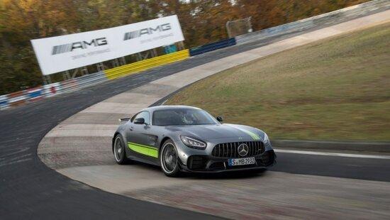 Il Nurburgring è da sempre uno dei tracciati che mette alla prova tutte le qualità dinamiche di una vettura