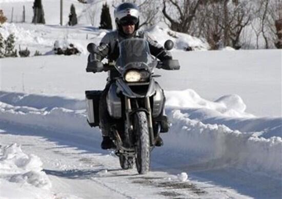 Sondaggio. I motociclisti e l'inverno. Amore o odio?