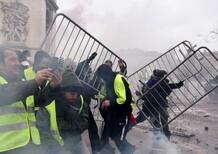Francia, continua la protesta dei gilet gialli: rischio contagio ad altri Paesi? [video]