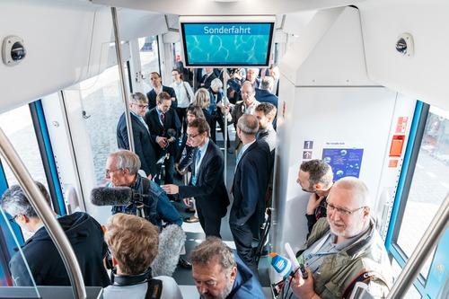 Idrogeno al posto del gasolio nei serbatoi: auto per ora no, ma treno si (3)