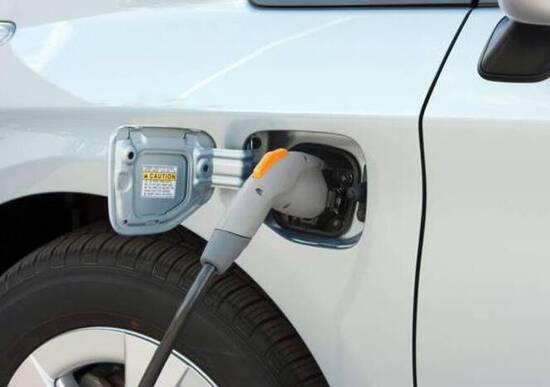 Manovra 2019 incentivi per auto elettriche e tasse per quelle inquinanti