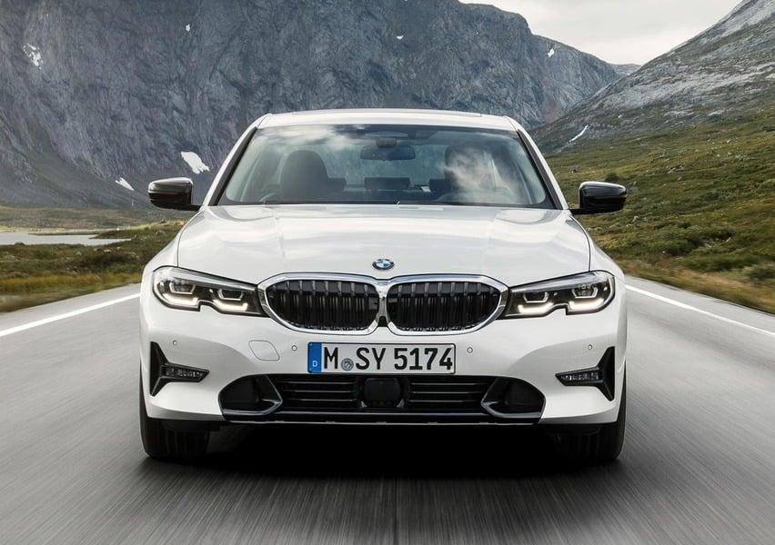 BMW Serie 3 318d Sport (3)