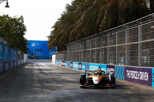 Formula E, ePrix di Ad Diriyah: vince Da Costa (5)