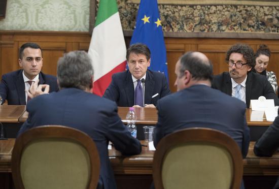 Leggi e nuove tasse per l auto in italia al governo piace for Chi fa le leggi in italia