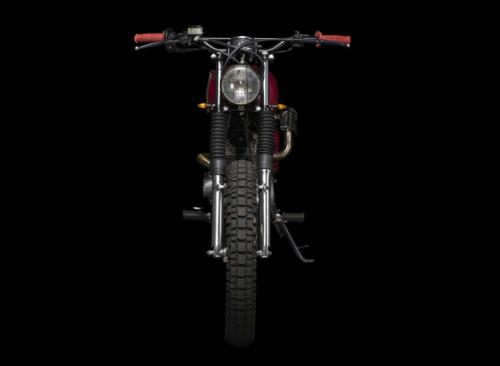 Suzuki GN 125: la scrambler realizzata da Atelier Medusa (3)