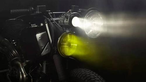 Ducati 900SS: una special pensata per il fango da El Solitario  (4)
