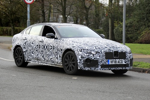 Nuova Jaguar XE: restyling per il futuro [Foto spia]