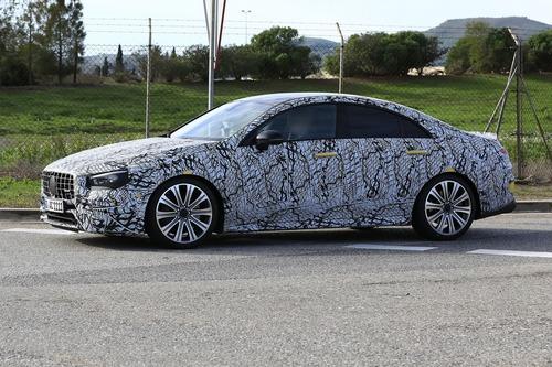 Mercedes, in arrivo le potenti CLA 35 e 45 AMG [Foto spia] (5)
